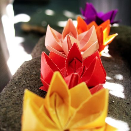 Origami Star Flower Bowl / Box Tutorial via @paper_kawaii