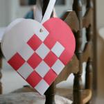 Paper Weaved Valentines Heart Tutorial