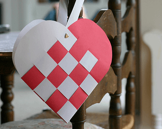 Paper Weaved Valentines Heart Tutorial