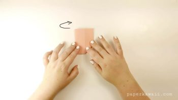 Easy Origami Bow Photo Tutorial via @paper_kawaii