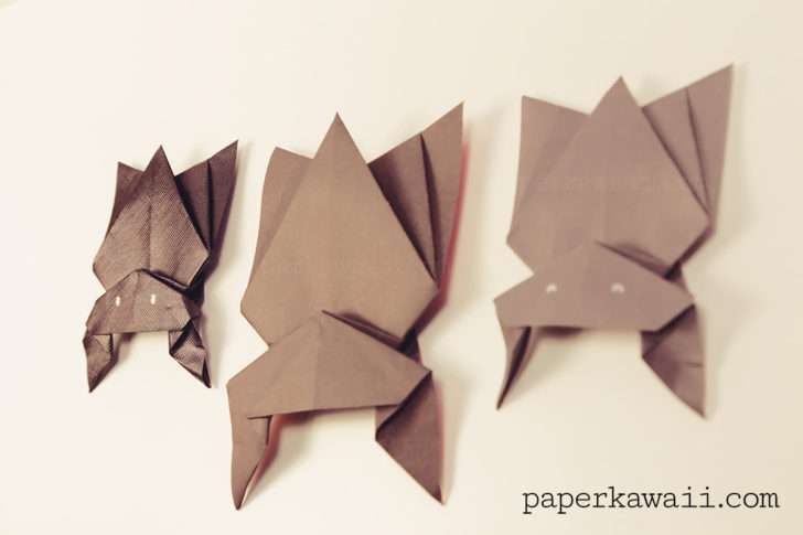 Hanging Origami Bat for Halloween! via @paper_kawaii