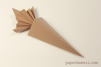 Origami Carrot Box Video Tutorial via @paper_kawaii