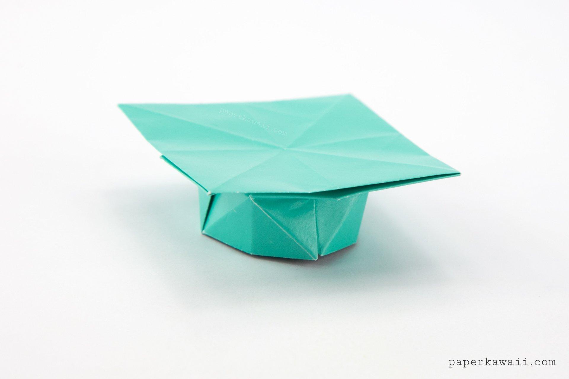 Origami Graduation Hat Tutorial via @paper_kawaii