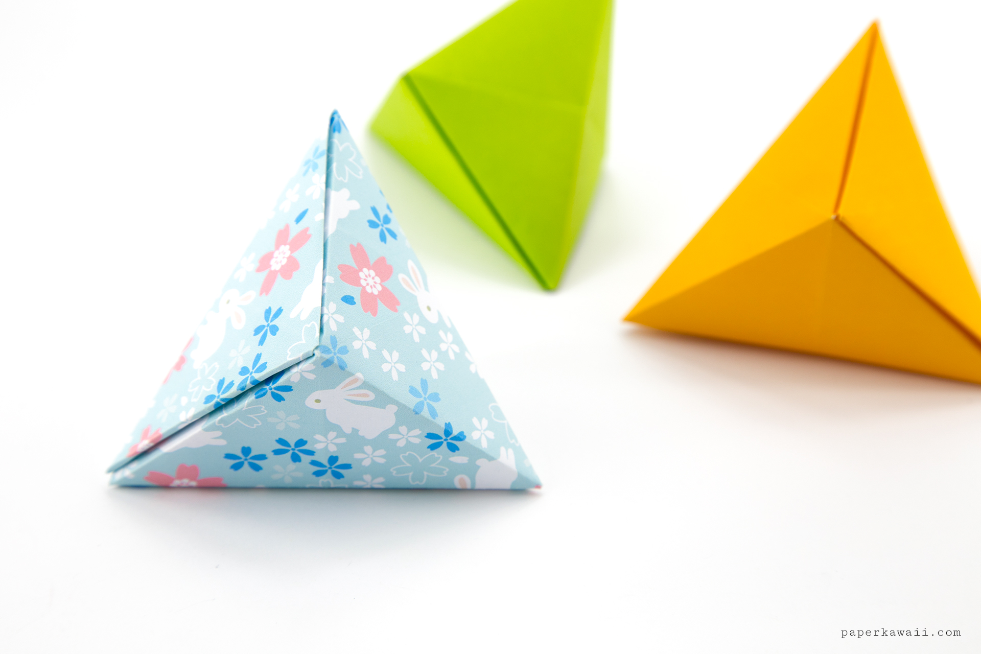 Origami Tripyramid Gift Box Tutorial (David Donahue) via @paper_kawaii