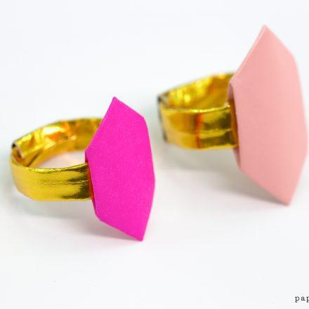 Origami Hexagonal Gift Box Tutorial via @paper_kawaii