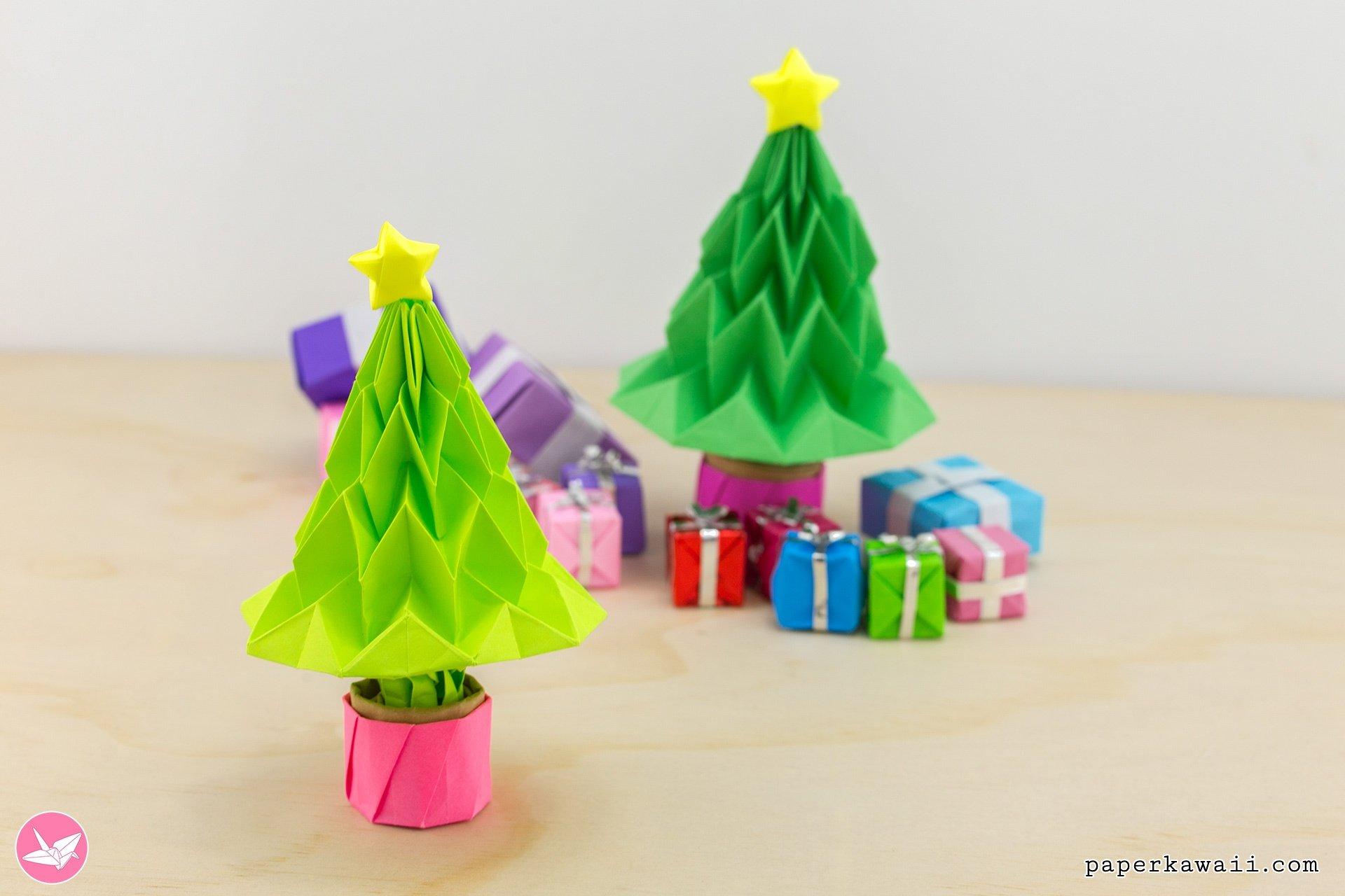 Origami Christmas Tree Tutorial - Accordion Folding via @paper_kawaii